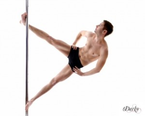 Sam King - Champion pole artist